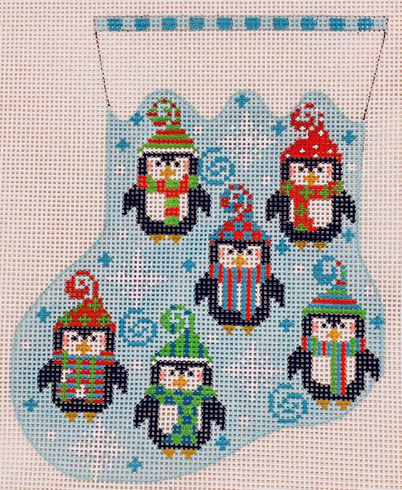 CH638 Siz Penguins Mini Stocking Danji Designs