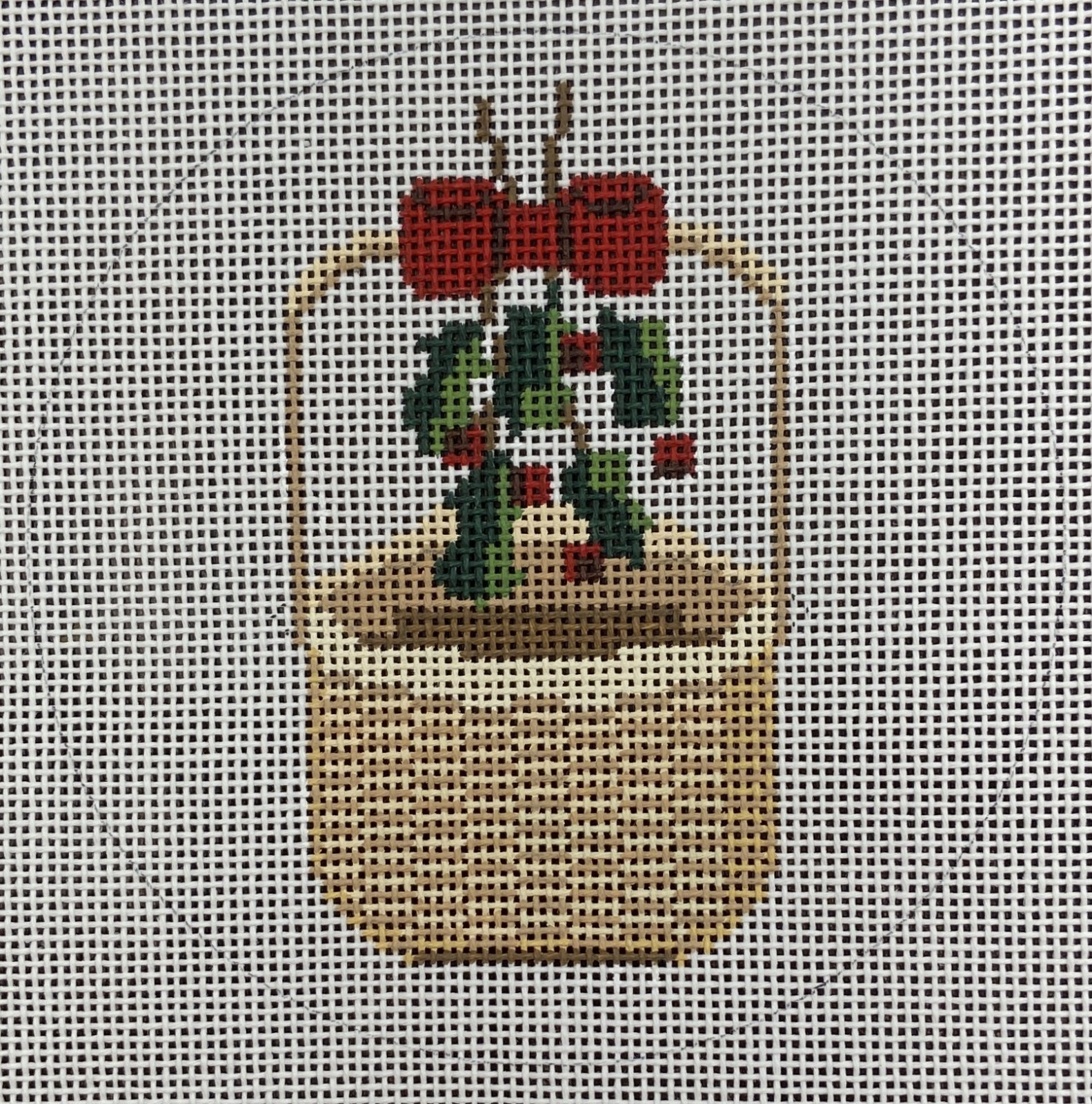MBM2 Nantucket Basket with Holly and Ribbons CBK Needlepoint