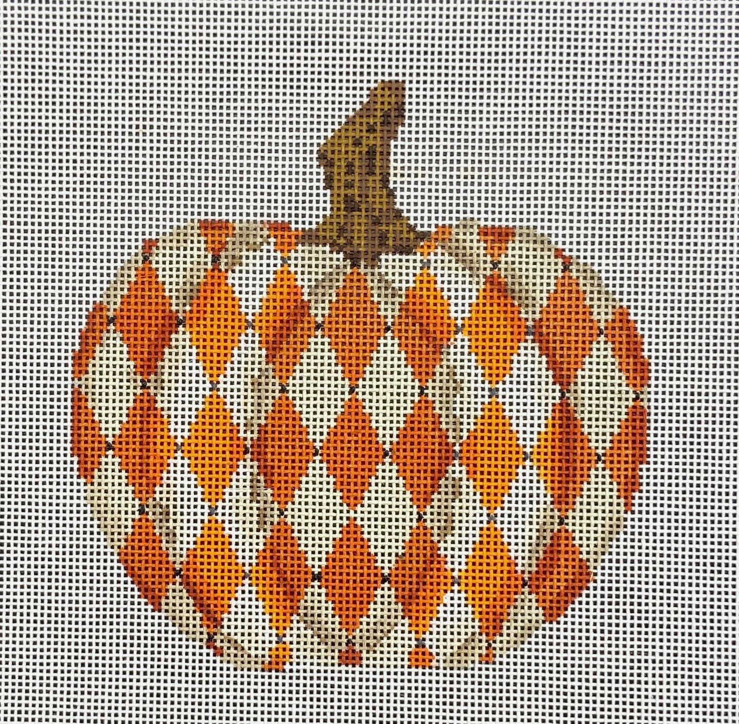 KCKCN1555 Hallowed Harlequin Pumpkin Colonial