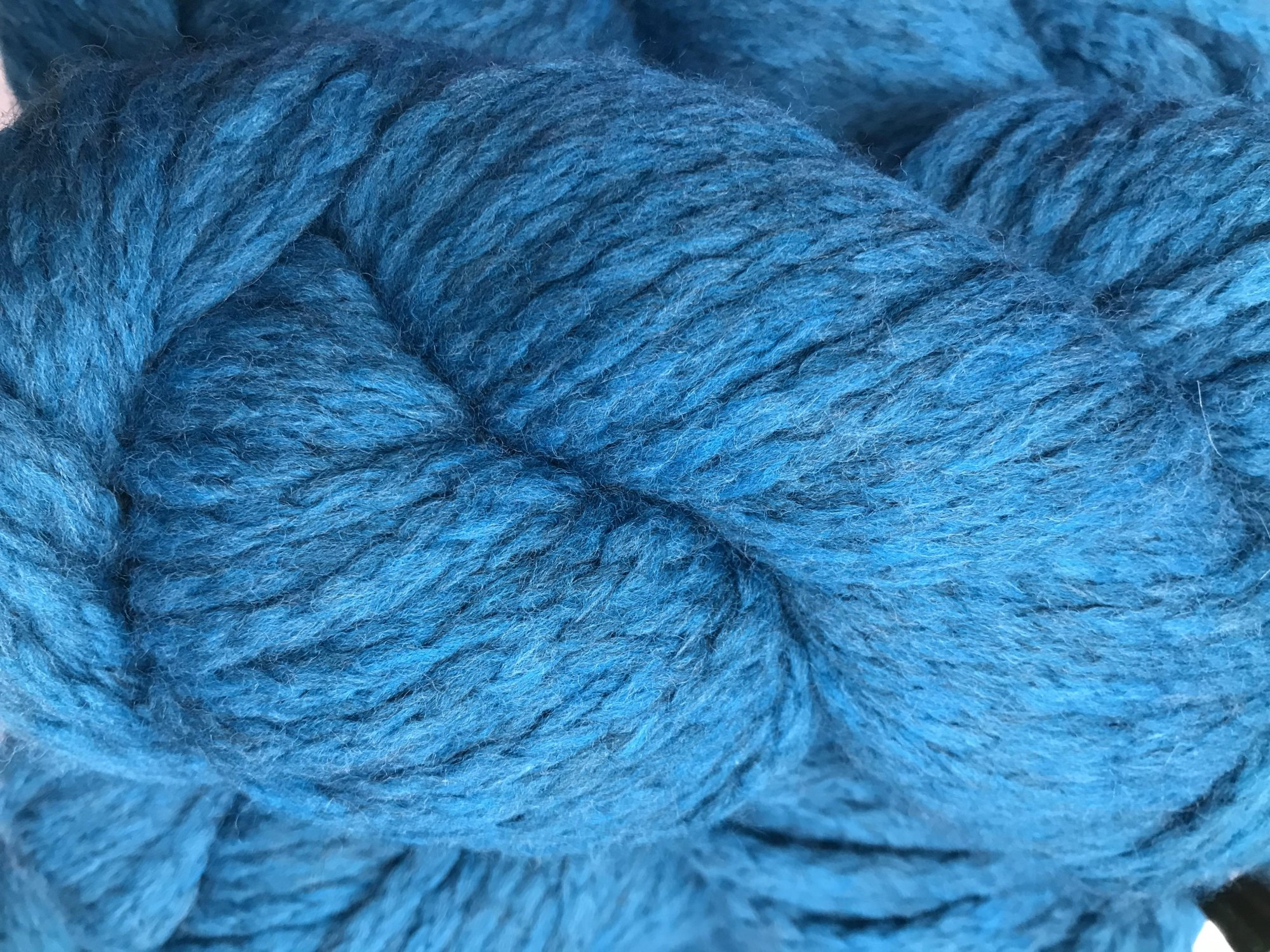 Teal 1727 Mirasol Ushya 98/2 wool/poly 114y, 2.25sts=1on #15US