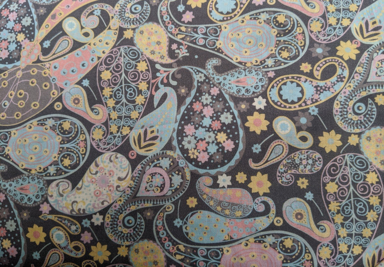 Liberty of London Cotton Lawn - Pastel Paisley