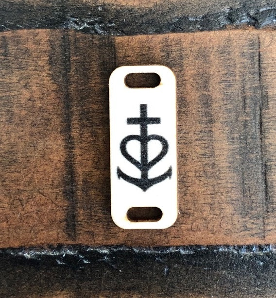 Birch Wood Garment Tag - Faith, Love, Hope Symbol