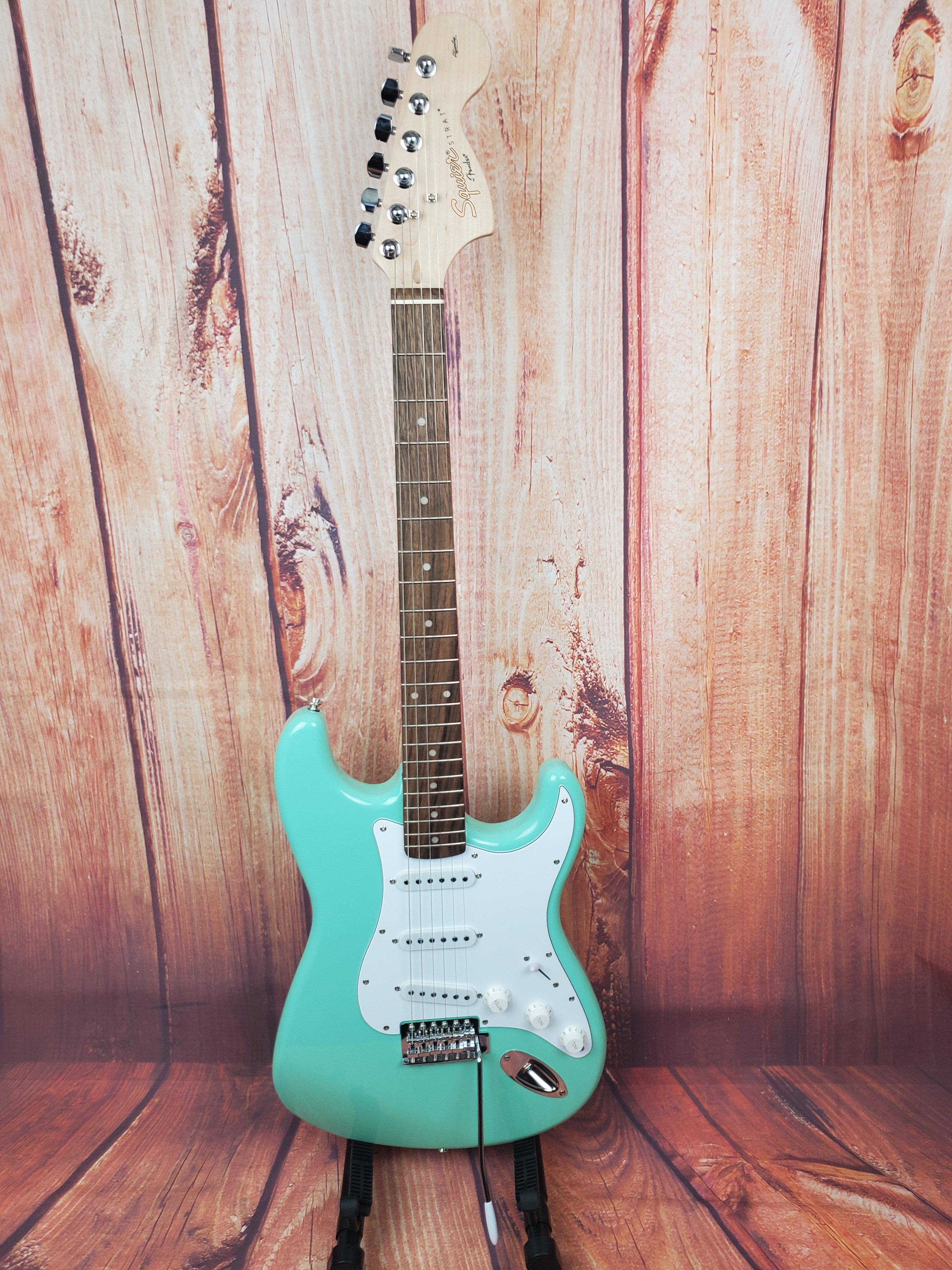 Used-Squier Affinity Series Stratocaster-Surf Green