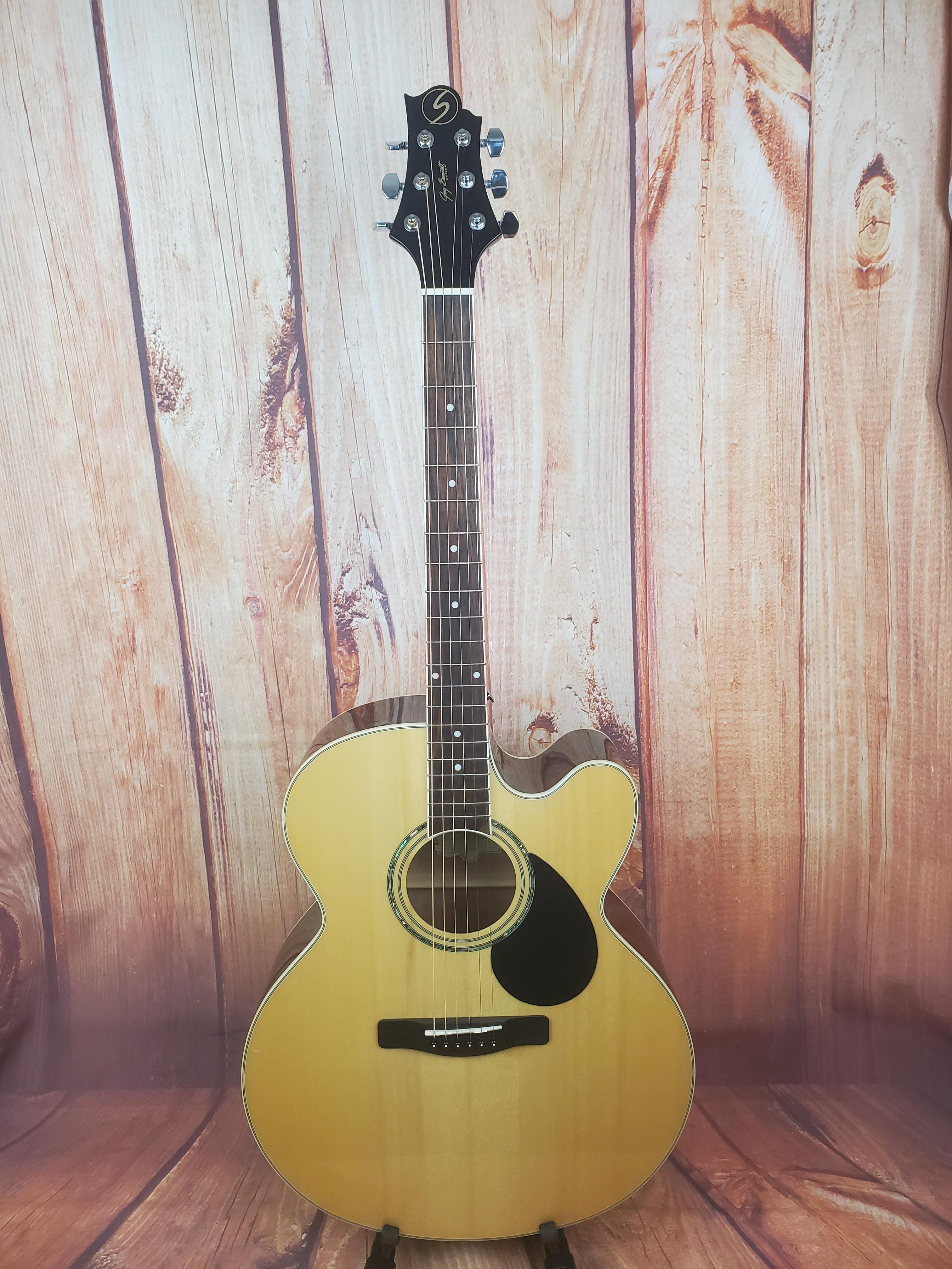 Used- Samick GJ-100SCE/N Jumbo A/E Guitar
