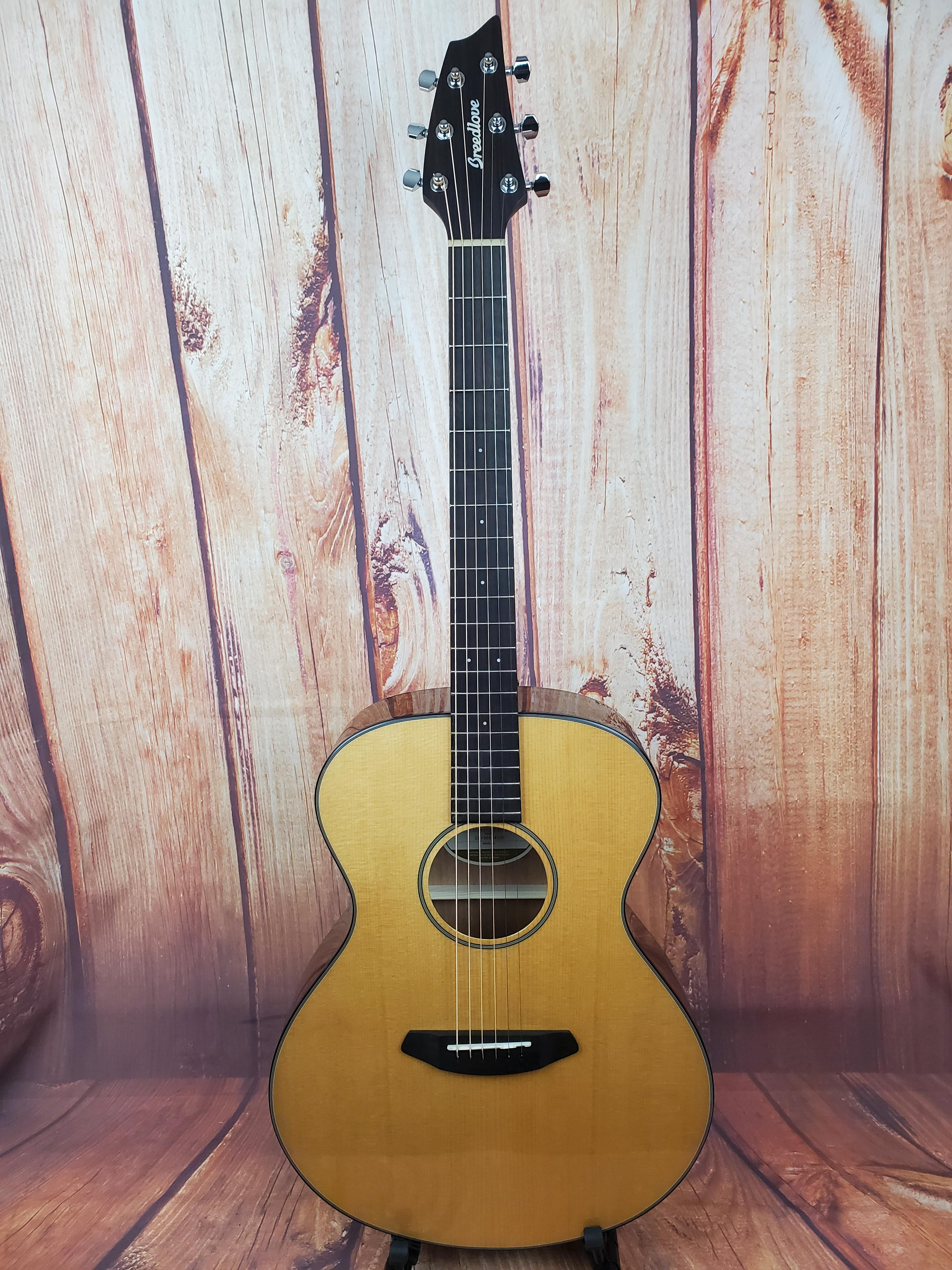 Used- Breedlove Discovery Concert Acoustic Guitar