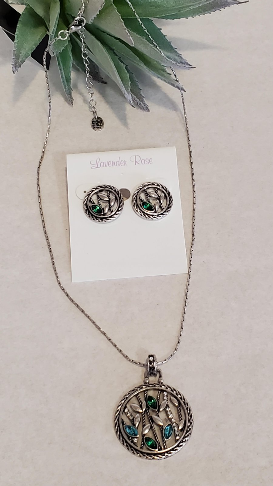 Silver & Stones Circle Necklace and Earring Set