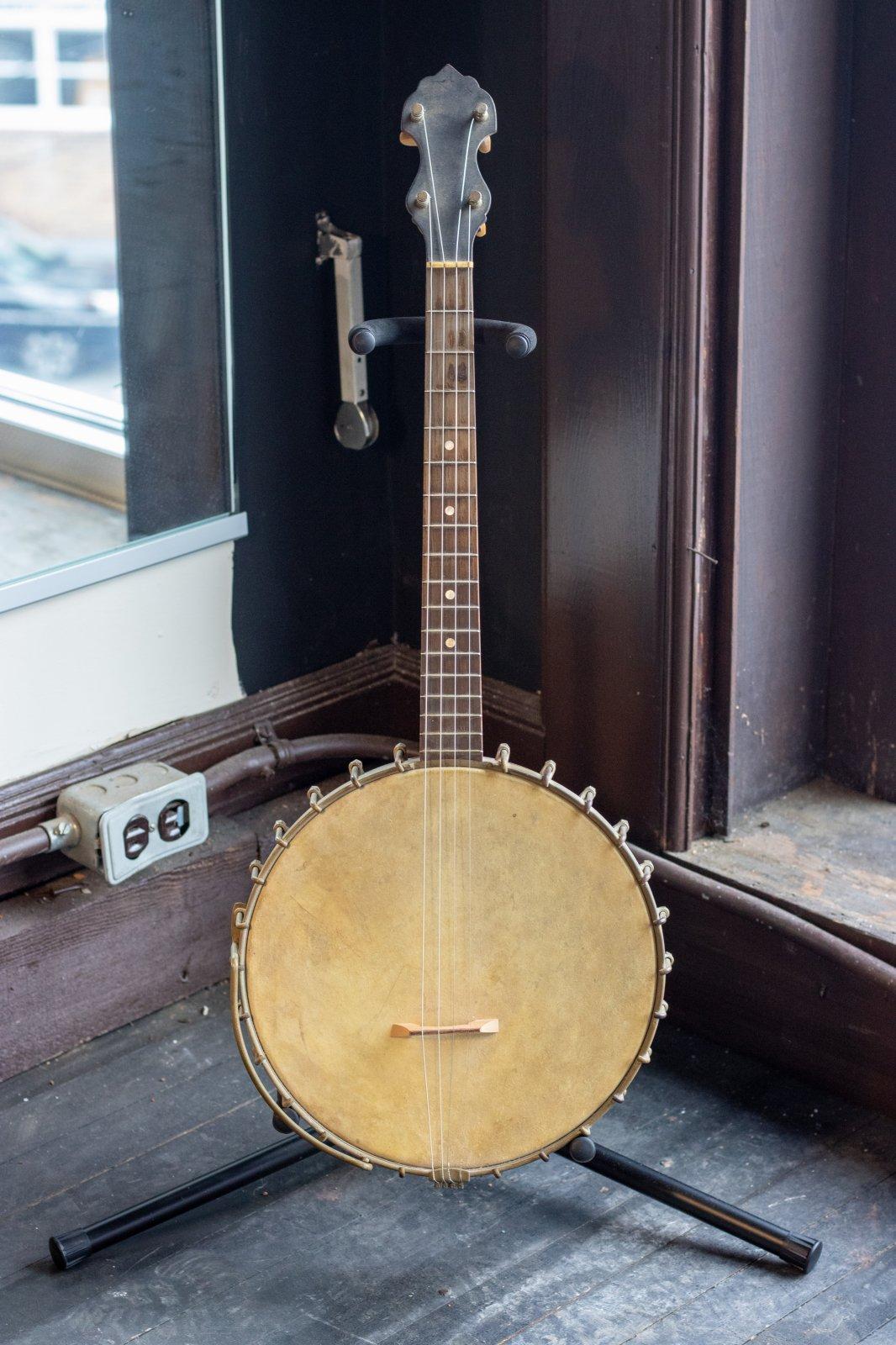 Vega 1920-30 Style N Tenor Banjo