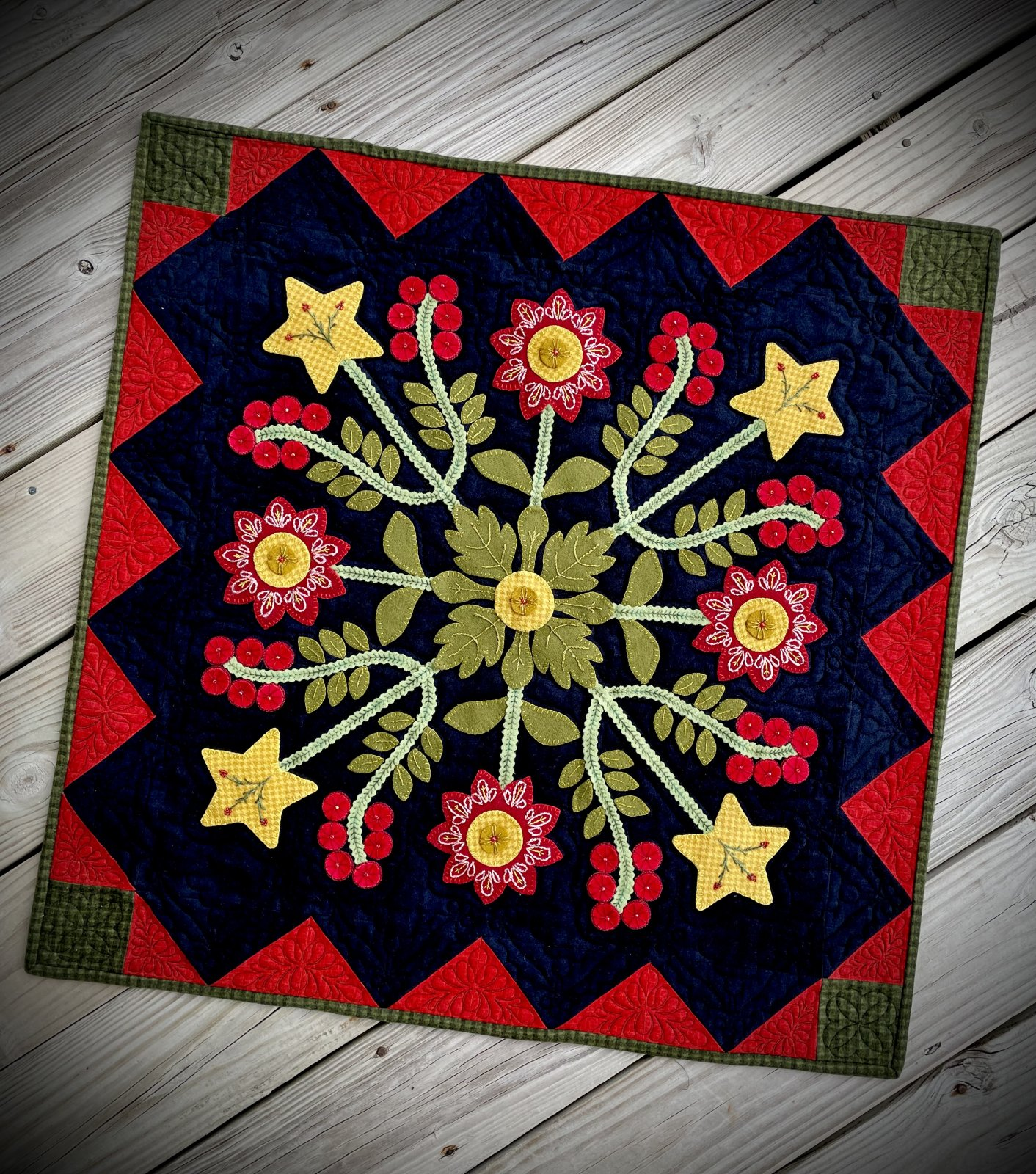Christmas Berries American Quilter