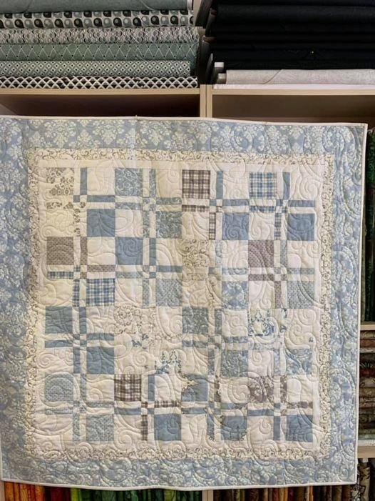 Disappearing Four Patch - Blue
