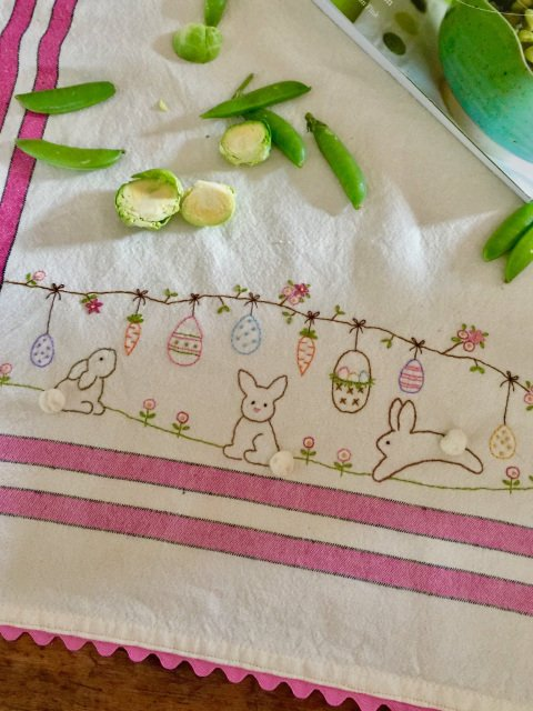 EASTER TOWEL EMB KIT
