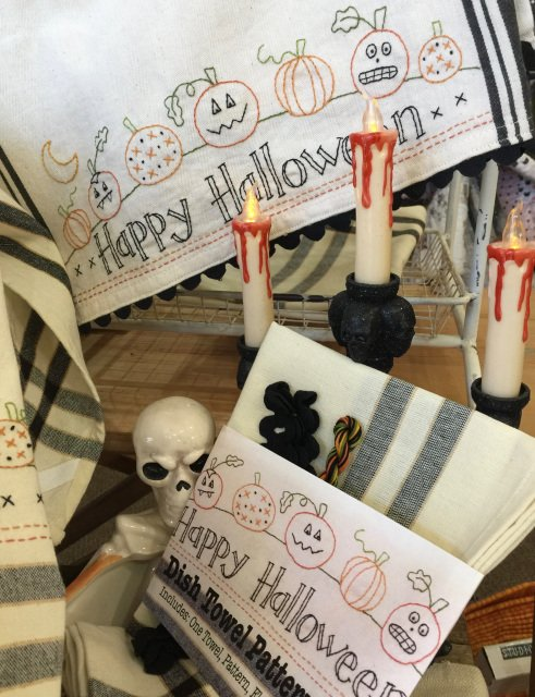 HALLOWEEN TOWEL EMB KIT