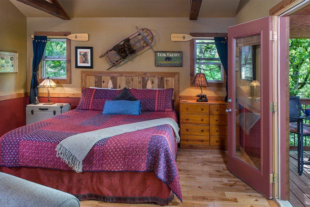 just a bear getaway cabin bed