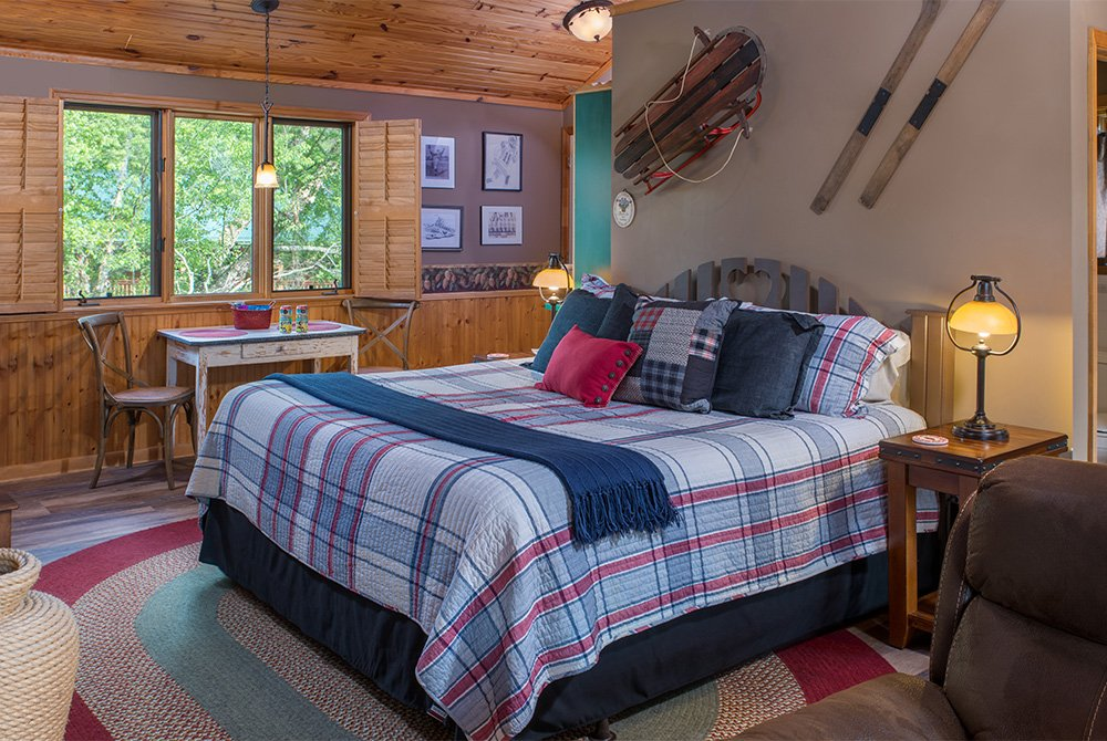 the knotty hawg cottage bed