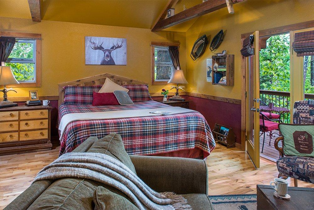 moose recluse cabin bed