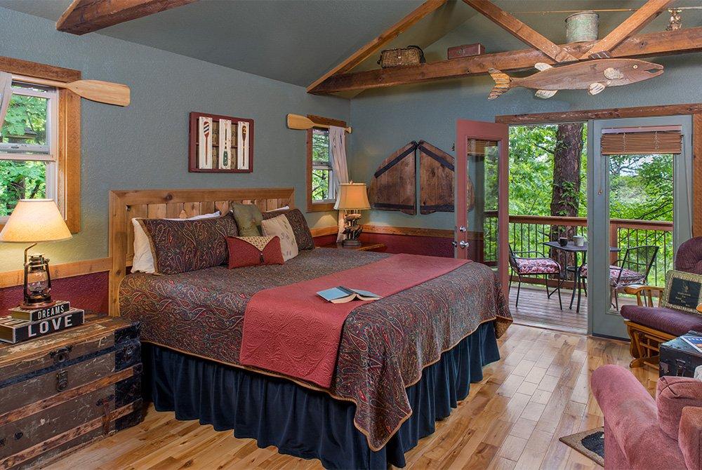 reel em inn cabin bed