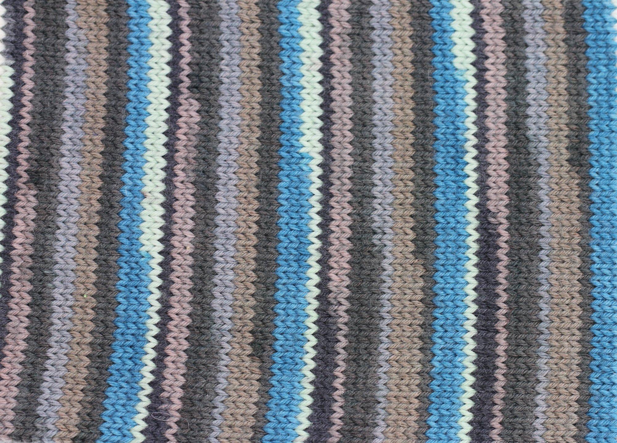 Stripey Slouch & Fingerless Gloves - color 604