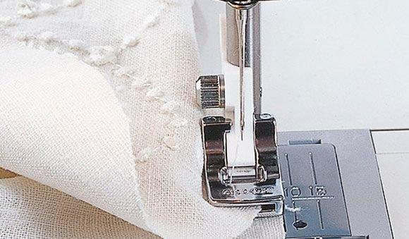 VIKING Gathering Foot (1-9) 9mm Stitches