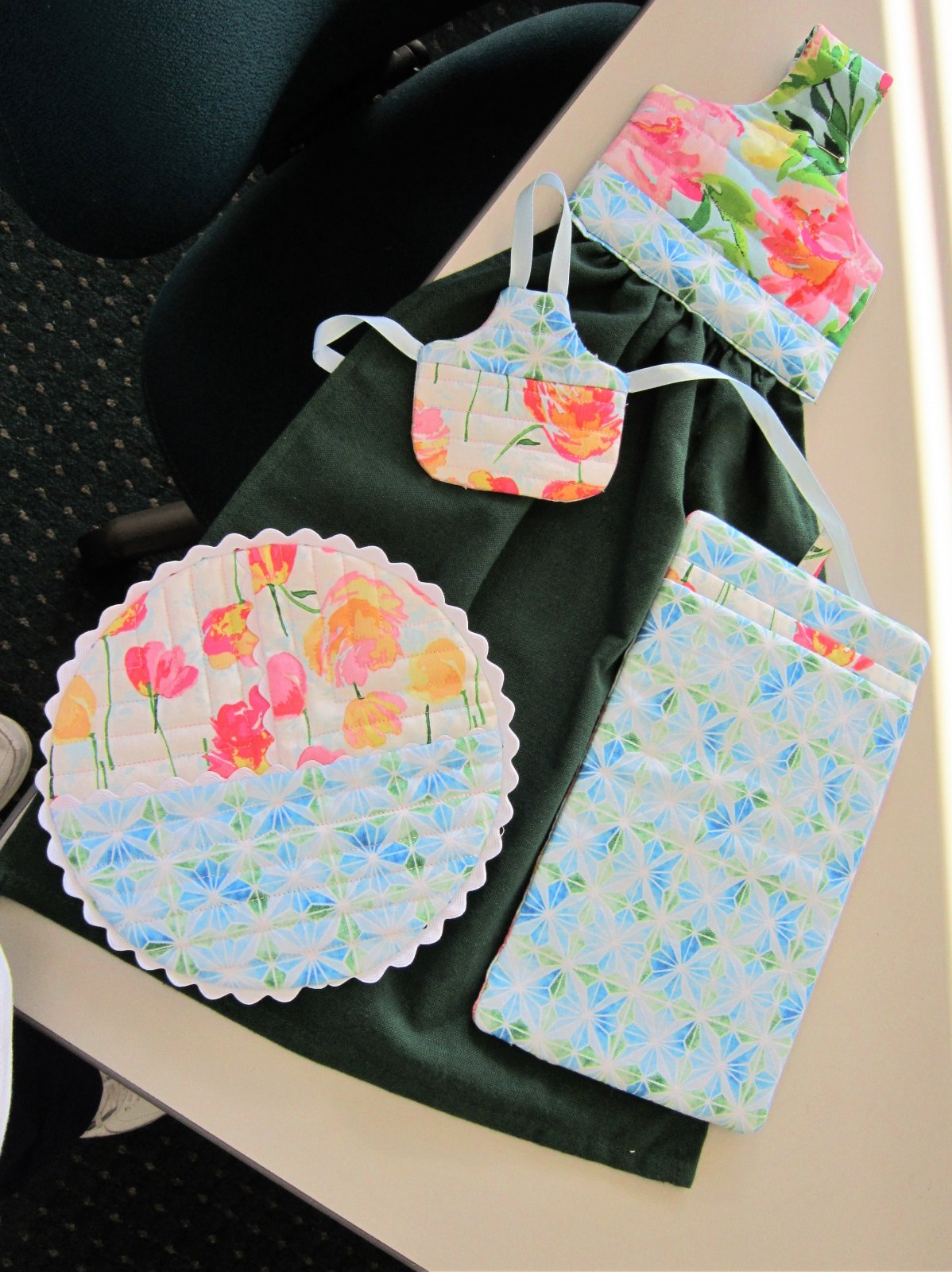 Connie\'s Quick Gifts Dec 6 2017 10:30-2:00 In the Hoop Kitchen Set
