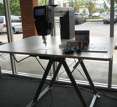 Q20 with adjustable table