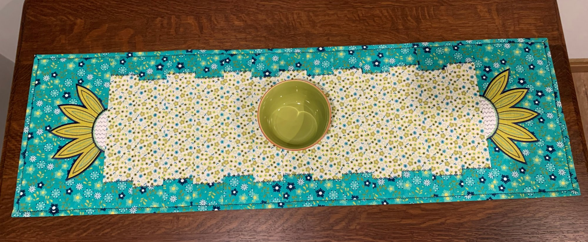 Janet's Perfect Tablerunner Turquoise