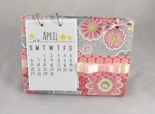 cartonnage desk calendar