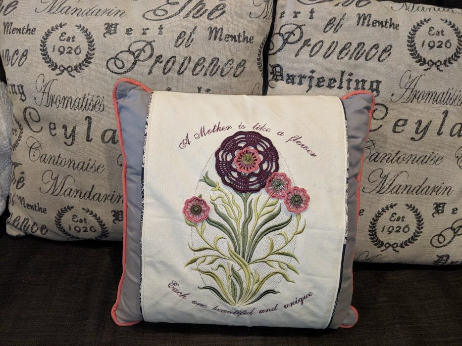 Creative Embroidery - Mother's Day Pillow Wrap