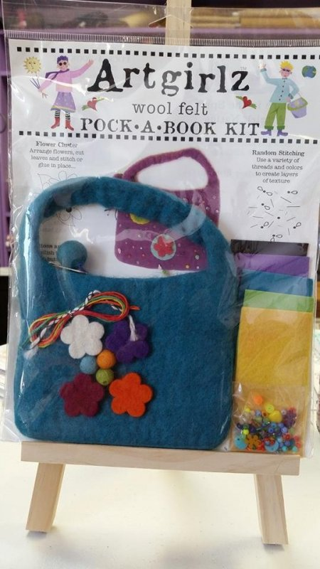 Artgirlz: Wool Felt - Pock-A-Book Kit