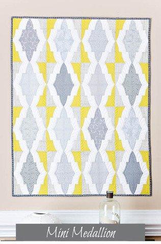MiniMedallion pattern for QCR mini by Sew Kind of Wonderful