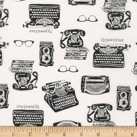Sevenberry - Typewriters - Black and White