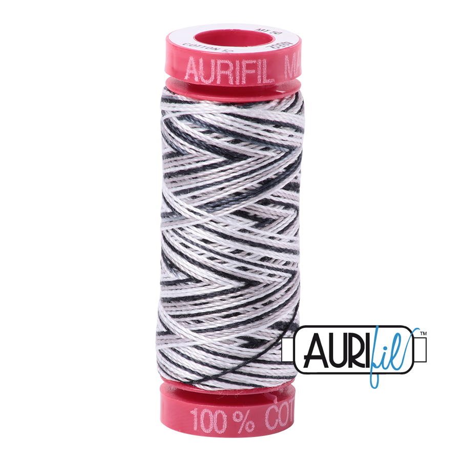 Aurifil 4652 - Licorice Twist