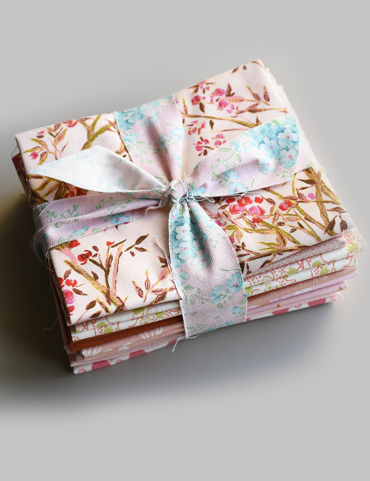 Fat Quarter Bundle #1 - Peaches and Cream