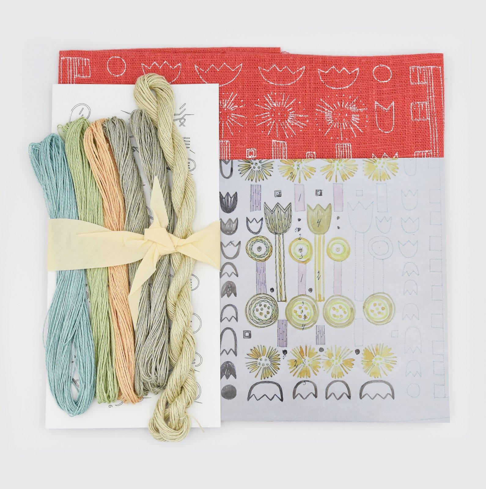 Linladan - Coral Tulip - Nordiska print with linen threads