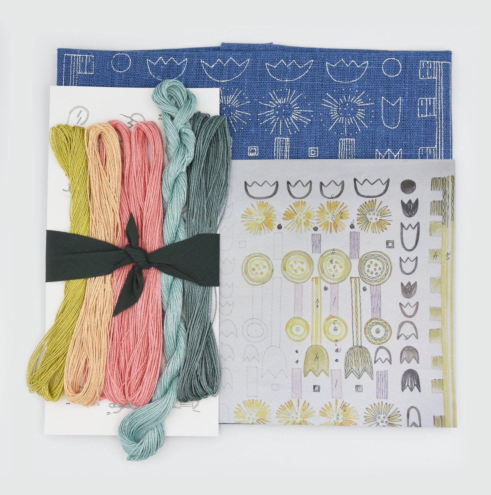 Linladan - Mid Blue Tulip - Nordiska print with linen threads
