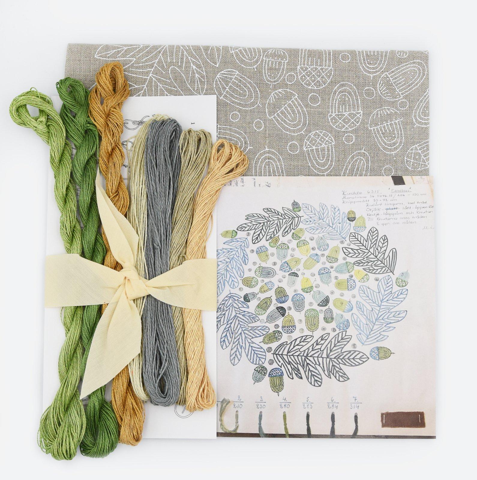 Linladan - Natural Linen Acorn - Nordiska print with linen threads
