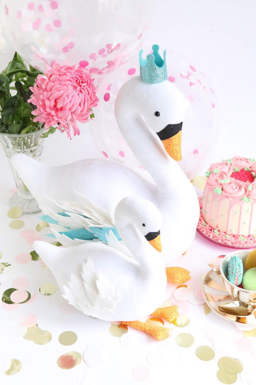 Ric Rac - Swan Party Pattern