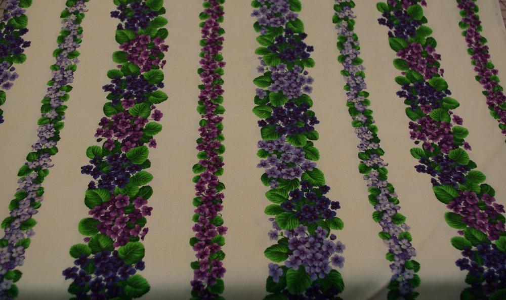 Flower of the month Violet stripe