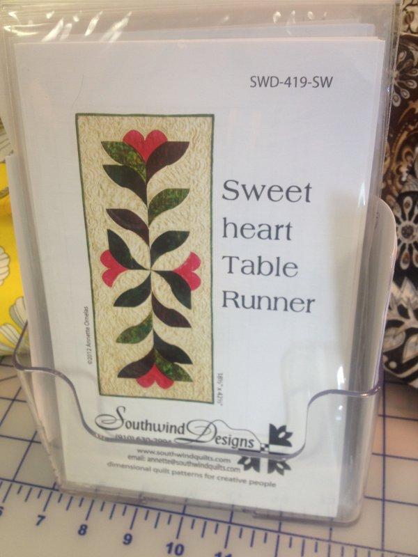 Sweetheart Table Runner