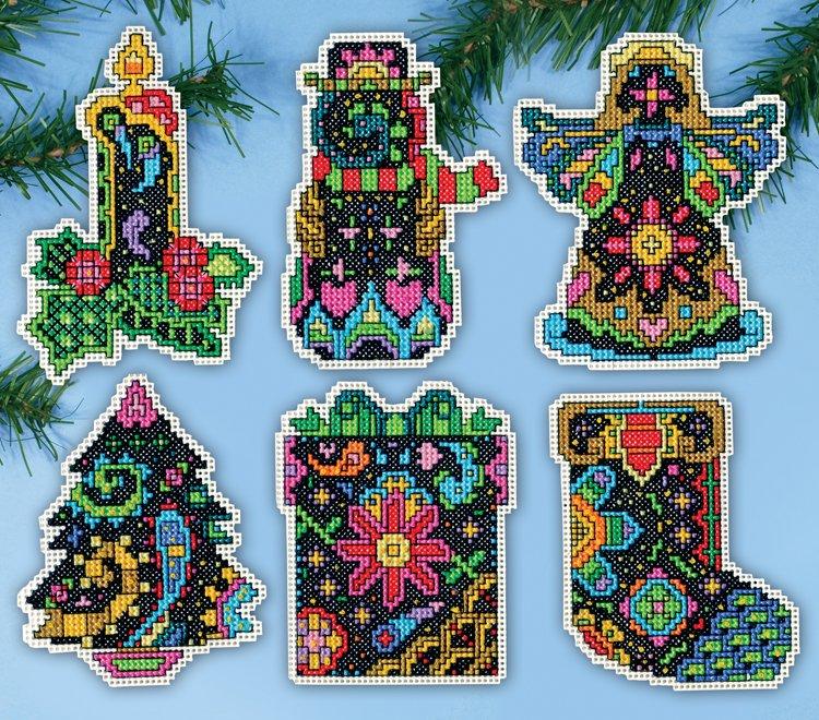 # 5914 Christmas Fantasy Ornaments