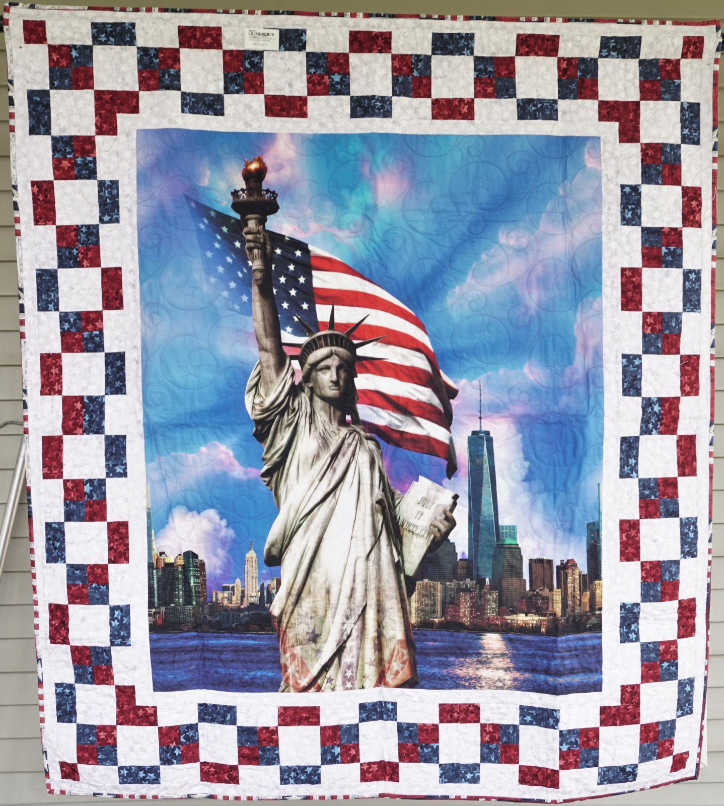 Sample-Statue of Liberty 50 1/2W x 56 1/2L Wall Quilt