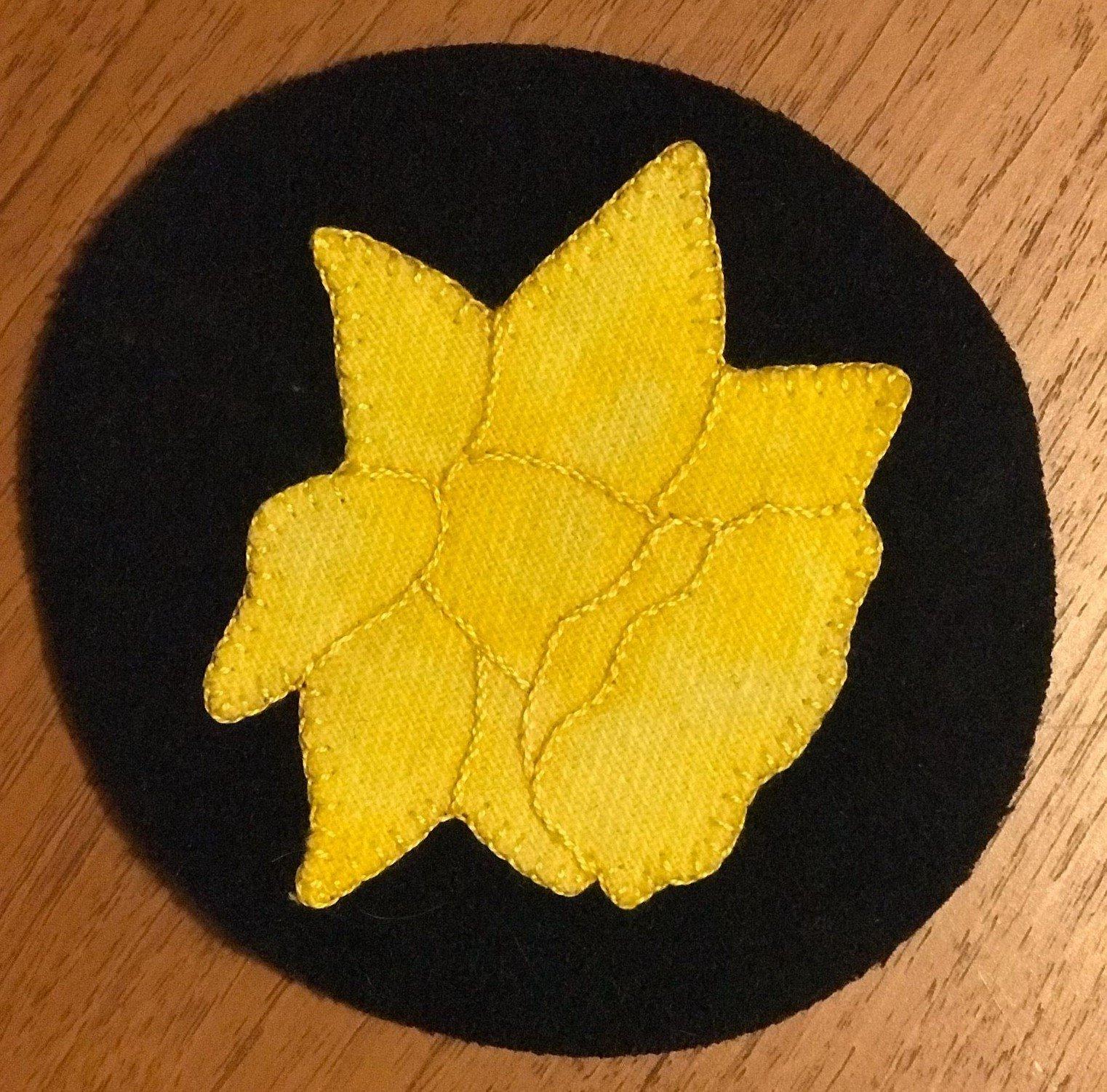Kit-Wool Flower Mug Rug Daffodil