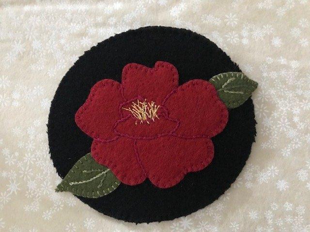 Kit-Wool Flower Mug Rug Rose