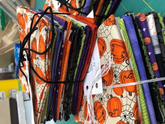 Halloween Fat Quarter Bundle (12 ct.)