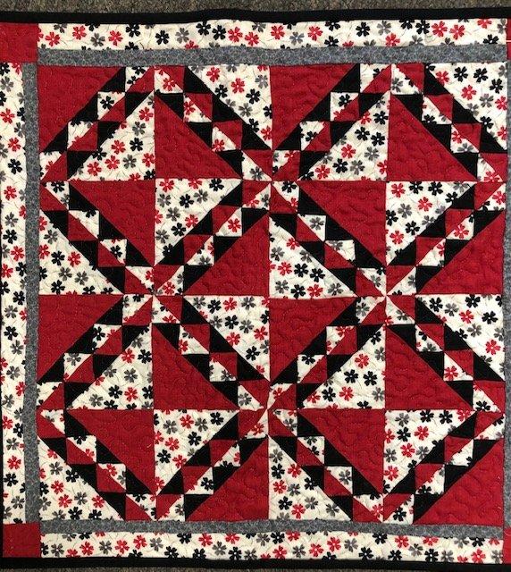 Black/Red Flower Table Topper 18x18