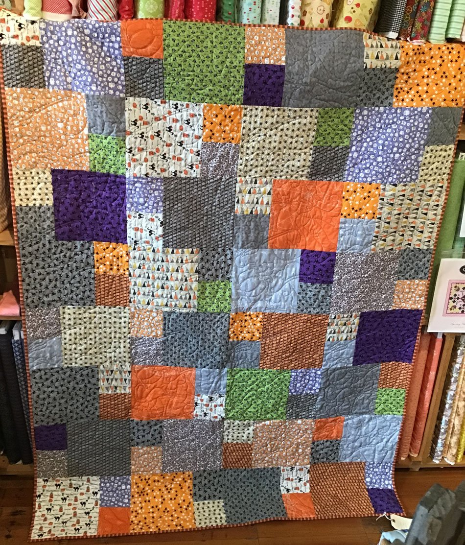 Halloween FQ Quilt - Vineyard 54x73