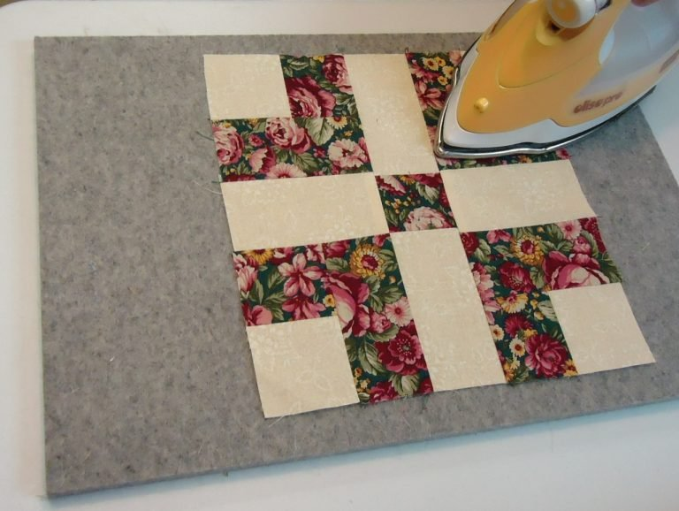 Pam Dumour's Magic Wool Mat: Mini