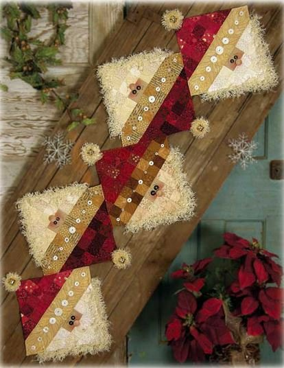 Button Santa Table Runner #631 Pattern
