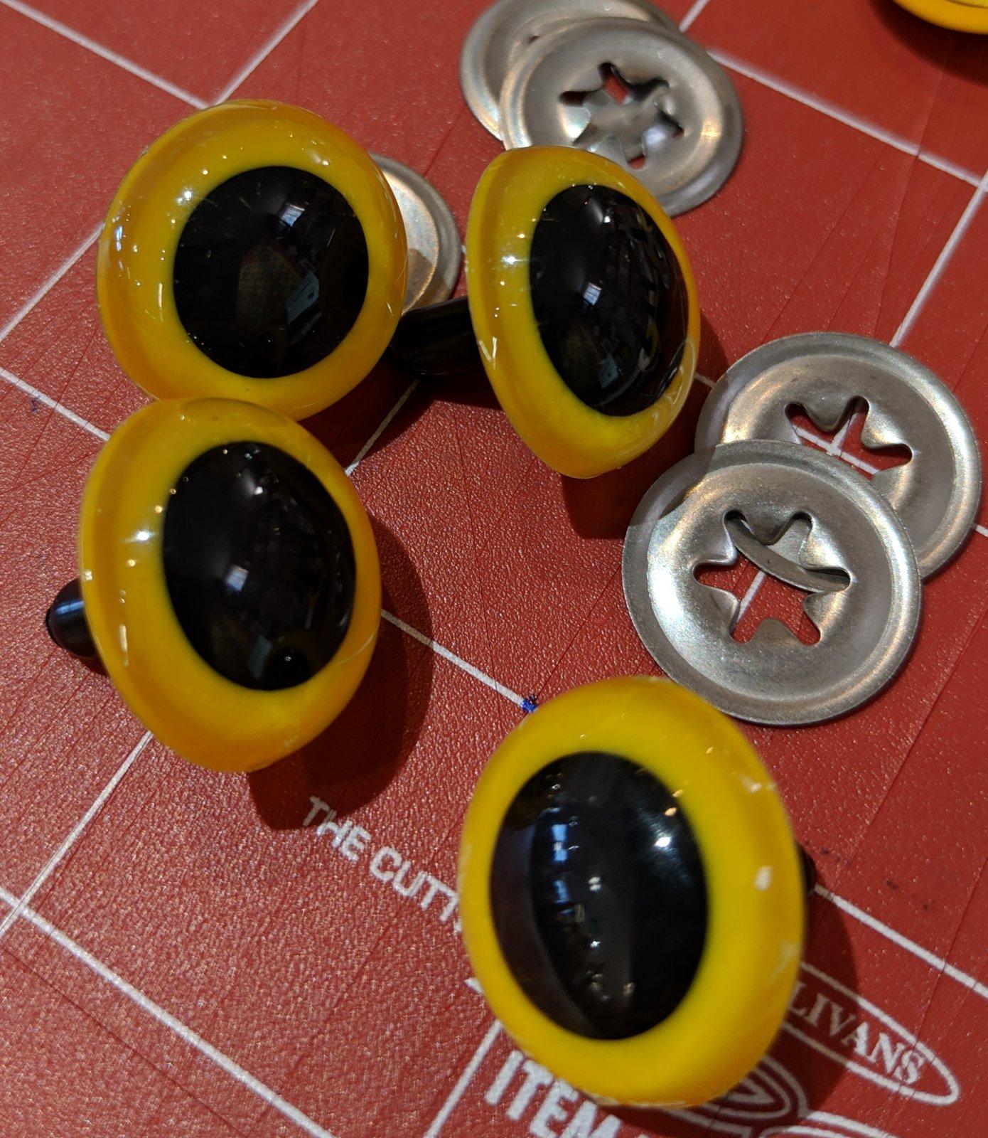 12 mm yello cat eyes