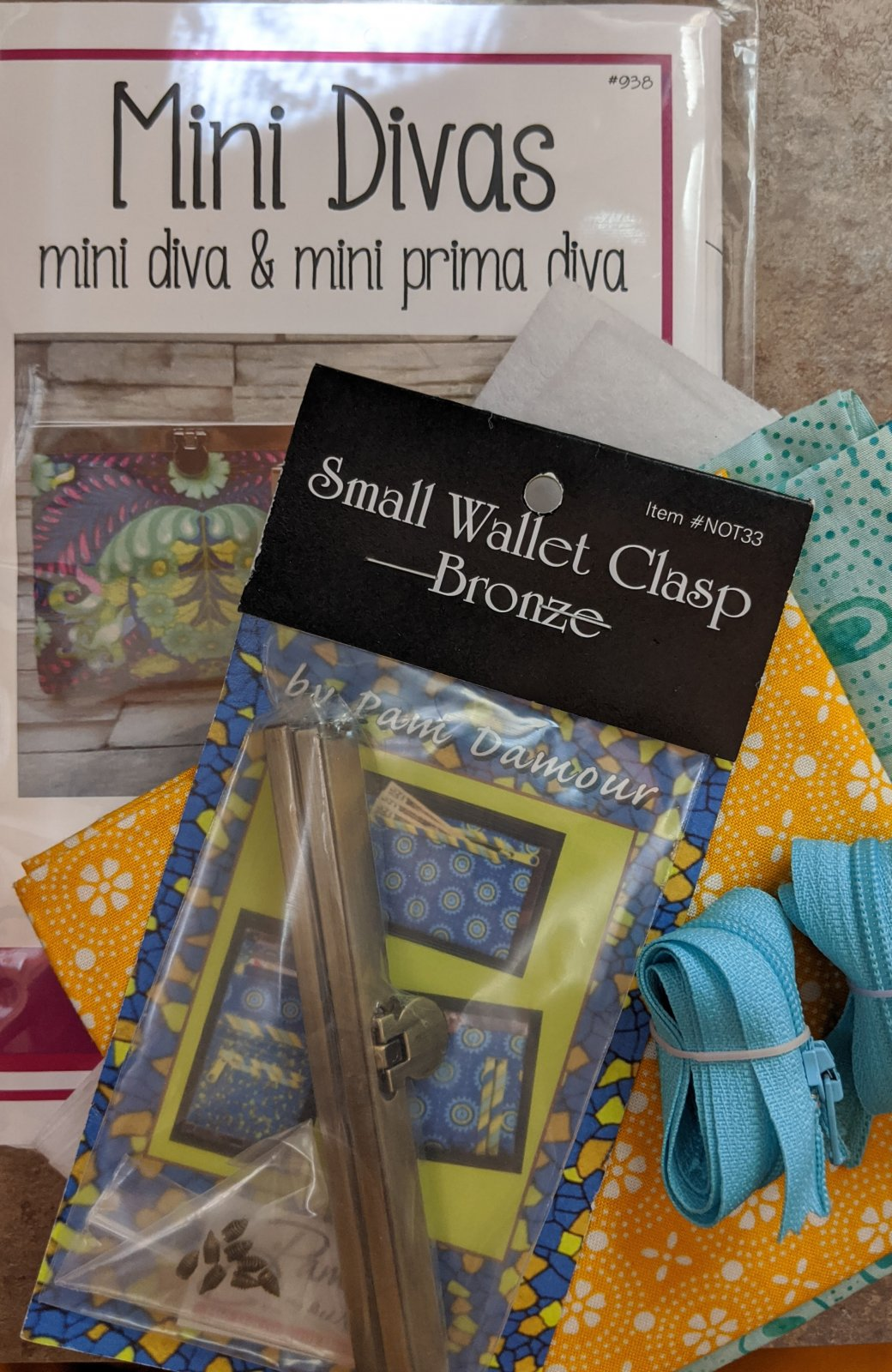 Diva Frame Mini Wallet Kit