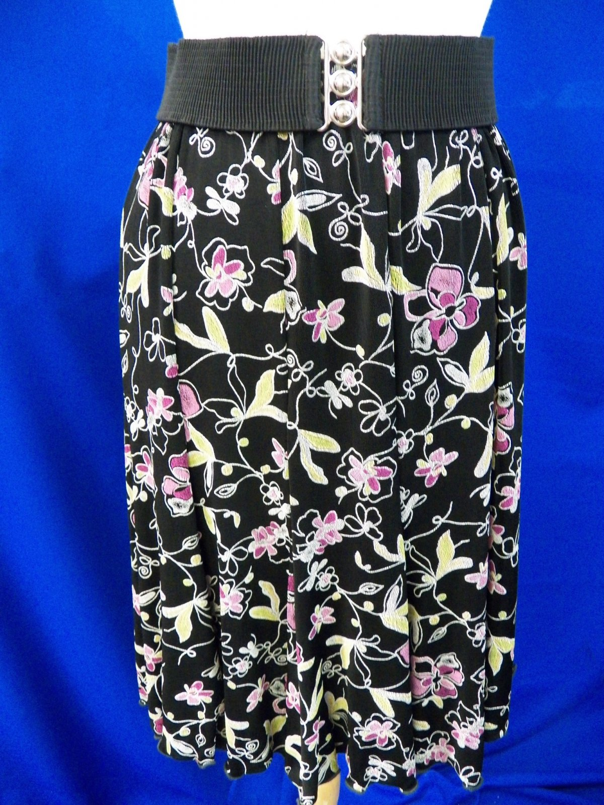 Black and Pink Floral (L24)