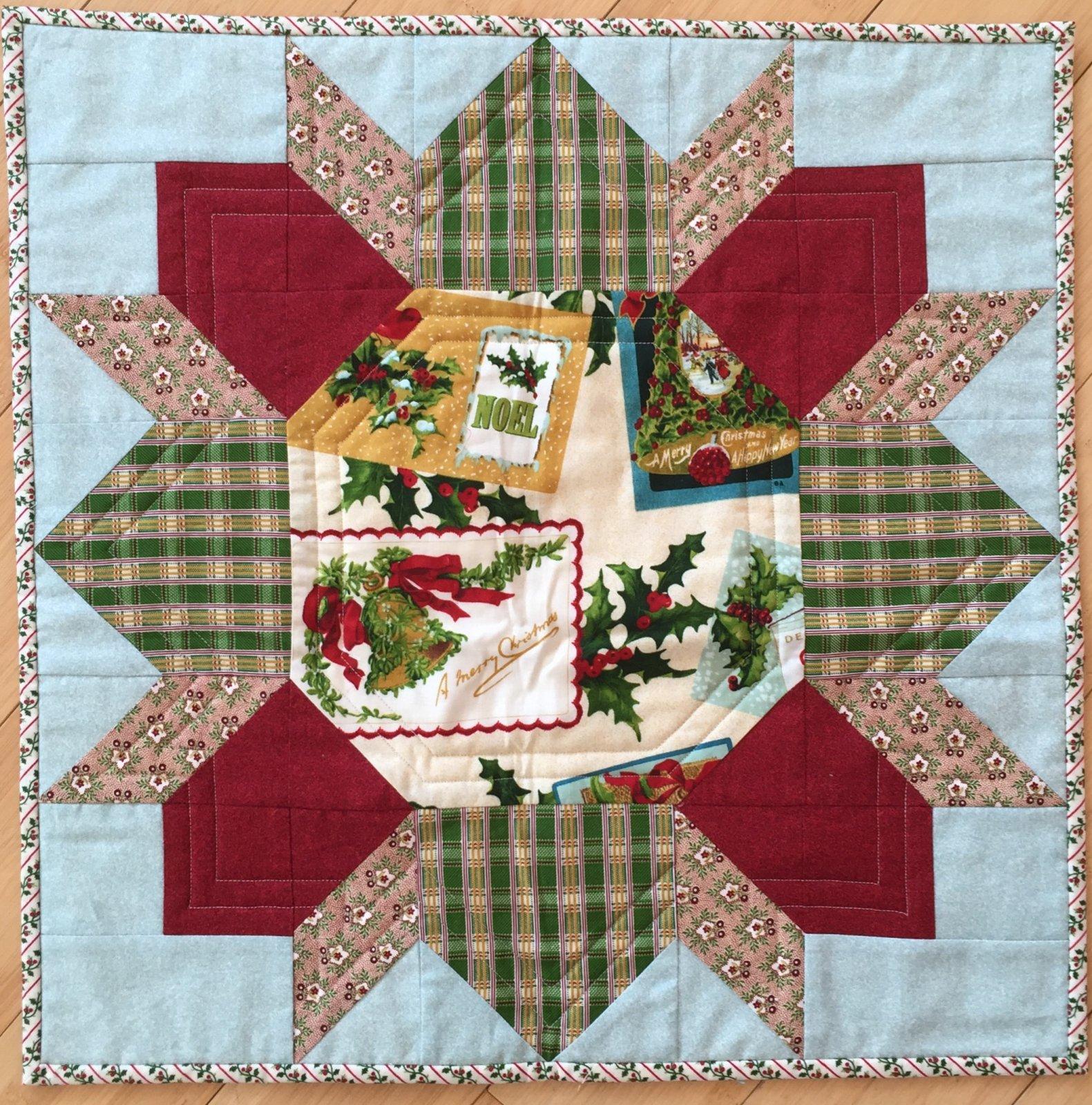 Yuletide Wreath quilt kit (67 x 67)